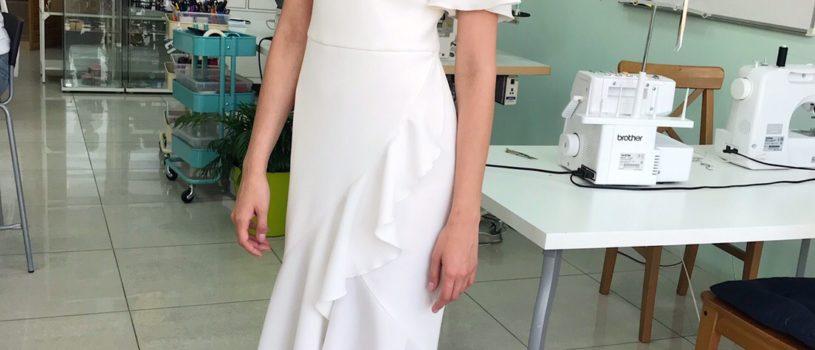 Белое лёгкое платье – это как синоним лета и самого главного события в жизни девочки — свадьба