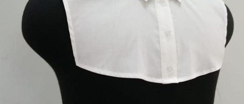Манишка-нагрудная вставка на мужской или женской одежде.