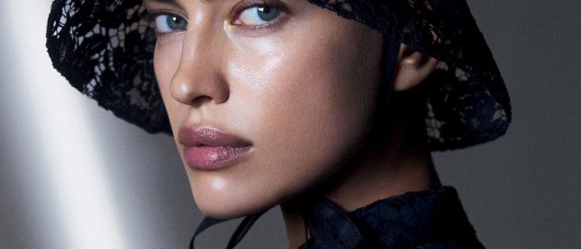 Встречайте декабрьский номер Vogue Russia c потрясающими Ириной Шейк и Стеллой Максвелл на обложках.