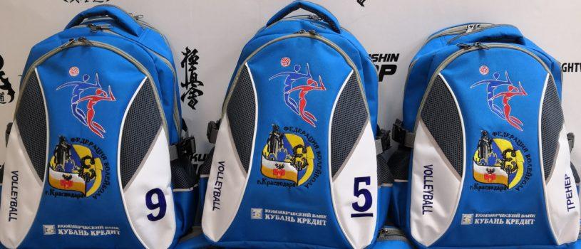 Посмотрите, какие яркие рюкзачки мы сделали для команды волейболисток из Краснодара!