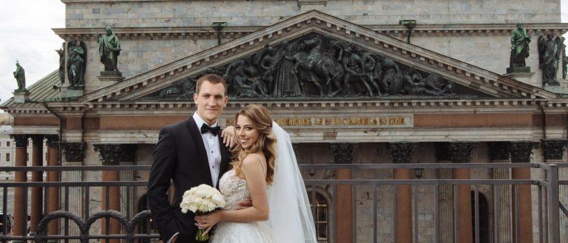 Чудесная пара — Евгений и Екатерина, доверили нам пошив смокинга для самого важного дня в их жизни.